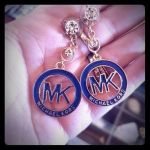 MICHAEL KORS EARRINGS.
